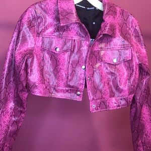 Pink snakeskin crop leather jacket missguided
